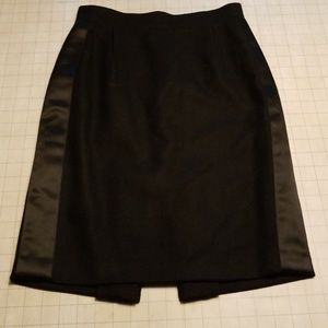 BCBG Max Azria Wool lined Pencil skirt size 0